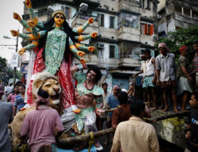 Gautam Vir Prashad Peeps into the World of Idol Makers at Kumartuli