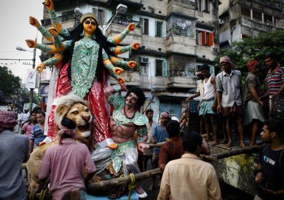 Gautam Vir Prashad Peeps into the World of Idol Makers at Kumartuli